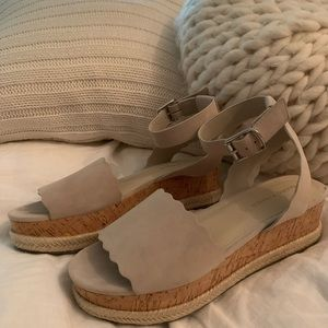 Marc fisher suede neutral espadrilles sandals 7.5
